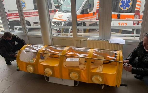 На Полтавщині виготовили першу капсулу для транспортування хворих на COVID