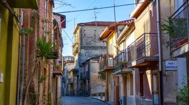 В Італії почали продавати будинки за один євро