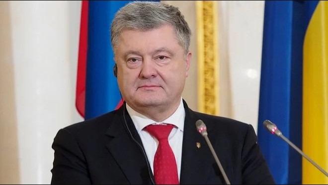 Порошенко прийшов на повторний допит у справі про анексію Криму: відео