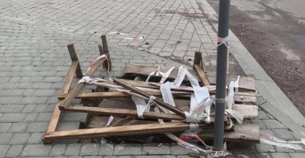 У Львові бруківку замість ремонту намалювали на бетоні. Фото
