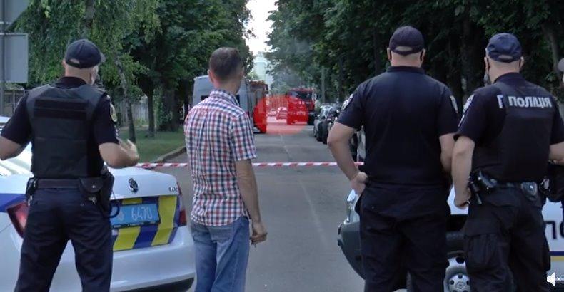 З'явилося відео, як «полтавський терорист» з заручником виїхали з оточення