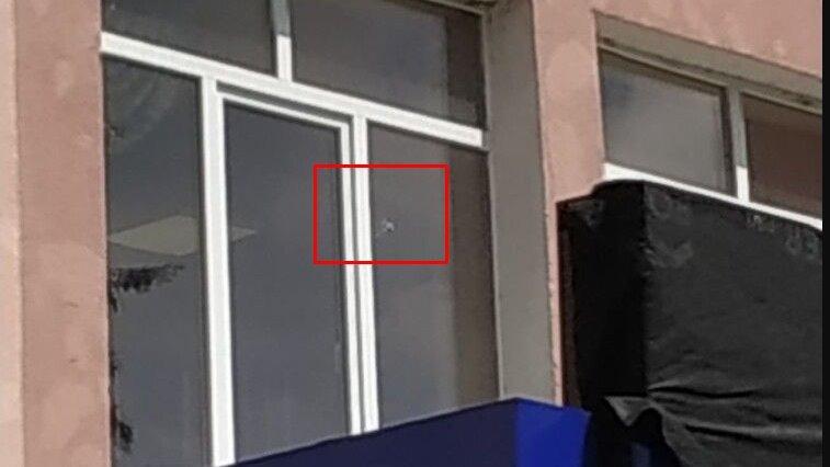 У приміщення поліції стріляли, де зараз Аваков проводить нараду (Відео)