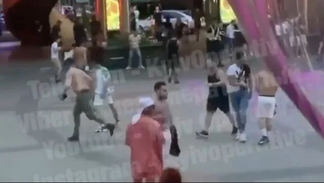 Масова бійка у Києві: з'явилося відео стрілянини